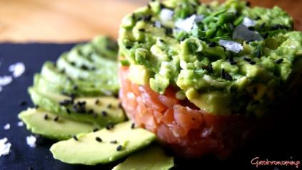Tartare de salmón y aguacate