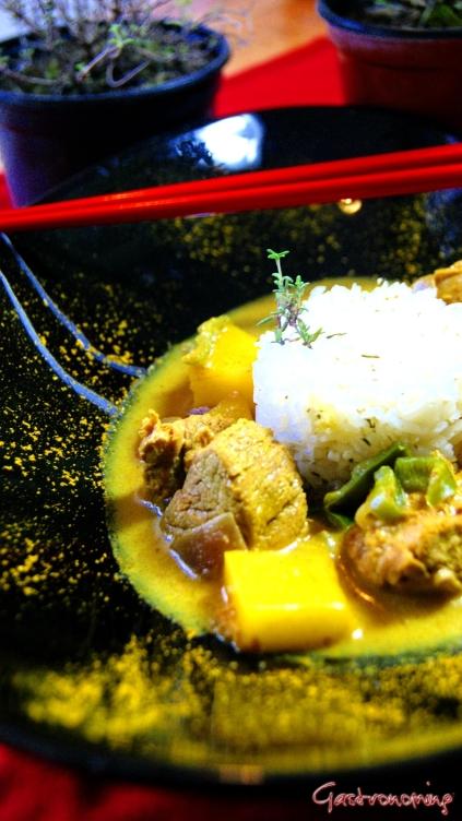 Curry de cerdo y mango
