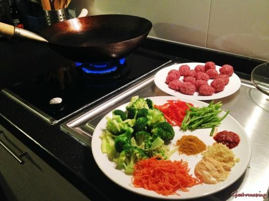 albóndigas picantes al curry